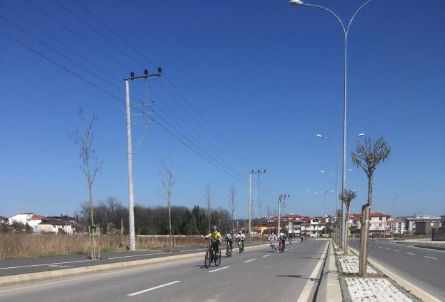 Okul Sporları Bisiklet İl Birinciliği müsabakaları Yeni Sakarya Stadyum çevresinde düzenlendi.