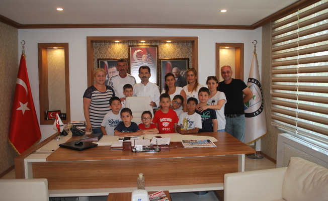 Şeyh Zayed Çocuk Yuvası'ndan Başkan Acar`a Ziyaret