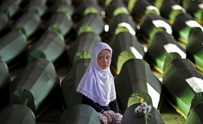 Srebrenitsa Soykırımını unutmayacağız
