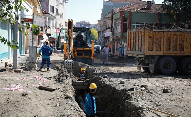 Atatürk Caddesi'nin içmesuyu altyapısı yenileniyor