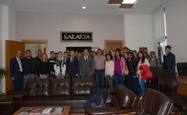 Girne Lapta Yavuzlar Lisesi öğrencileri SGM'de