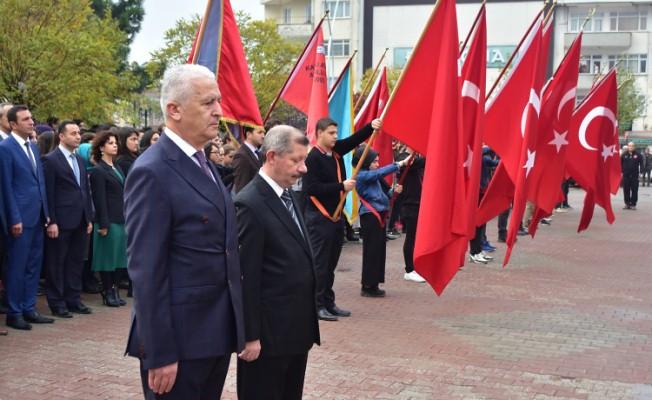 Karasu'da 10 Kasım Atatürk'ü Anma Töreni Gerçekleştirildi