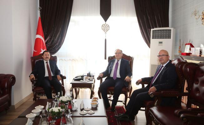 Afyonkarahisar Valisi Tutulmaz ve Belediye Başkanı Çoban'dan Vali Balkanlıoğlu'na Ziyaret
