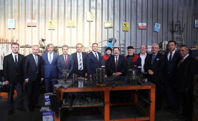 Vali Balkanlıoğlu Fabrika Ziyaretlerine Devam Ediyor