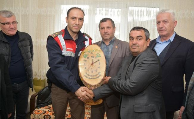 İspiroğlu'ndan, Afrin'de Görevli Askerin Evine Ziyaret