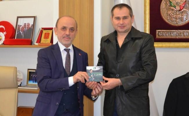 Sakaryaspor 50. Yıl Marşı şehre güç katmaya devam ediyor