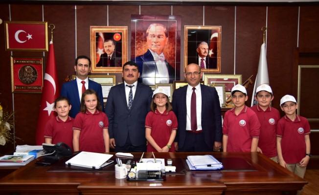 Karasu Belediye Başkanı İspiroğlu, Koltuğunu Aysima Sarı'ya Devretti