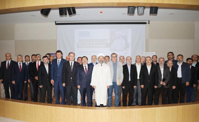 """Vali Balkanlıoğlu SAÜ'deki """"Bilgiden Bilince Gençlerle Başbaşa"""" Konferansına Katıldı"""