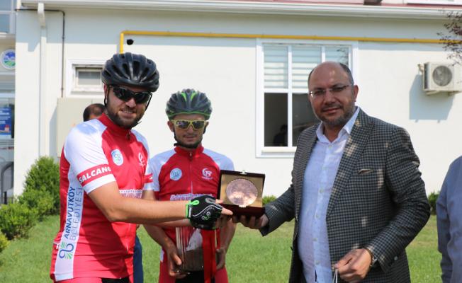 Bisikletçiler Sakarya'dan geçti