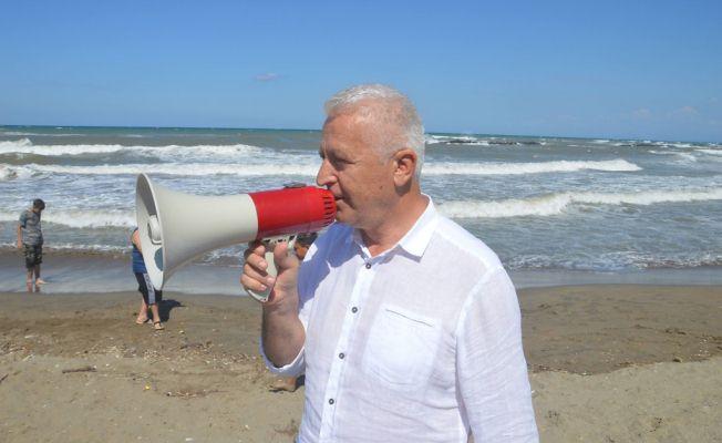 Karasu'da Rüzgâr ve Dalga nedeniyle denize girmek yasaklandı