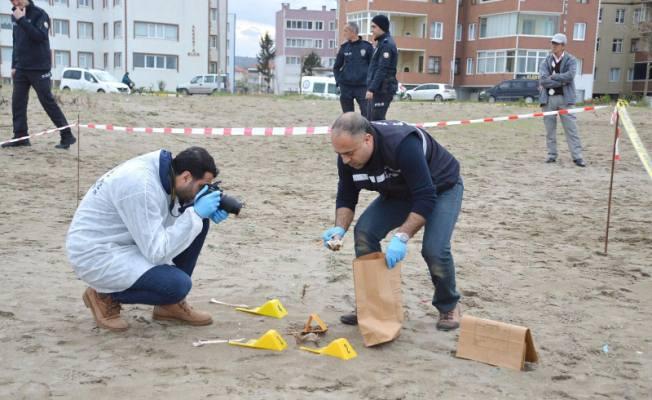 Kumsalda yürüyüş yapan vatandaşlar, sahilde insan kemikleri gördü