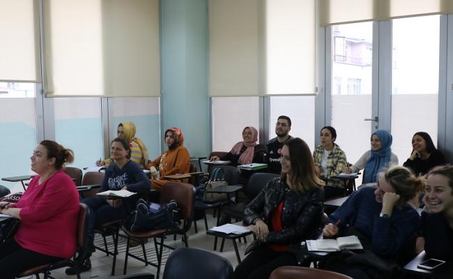 Yeni bir dil öğrenmenin ayrıcalığı SAMEK'lerde yaşanıyor