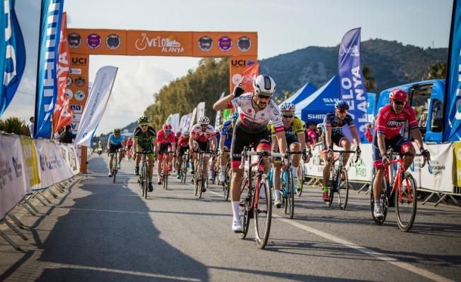 Büyükşehir'den bisiklette çifte zafer