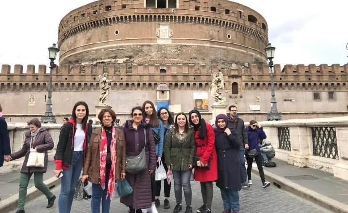 Liseli Kızlarımız Avrupa'da Mesleki Eğitim Alıyor