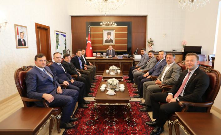 Taraklı Belediye Başkanı Pilavcı ve Meclis Üyelerinden Vali Nayir'e Ziyaret