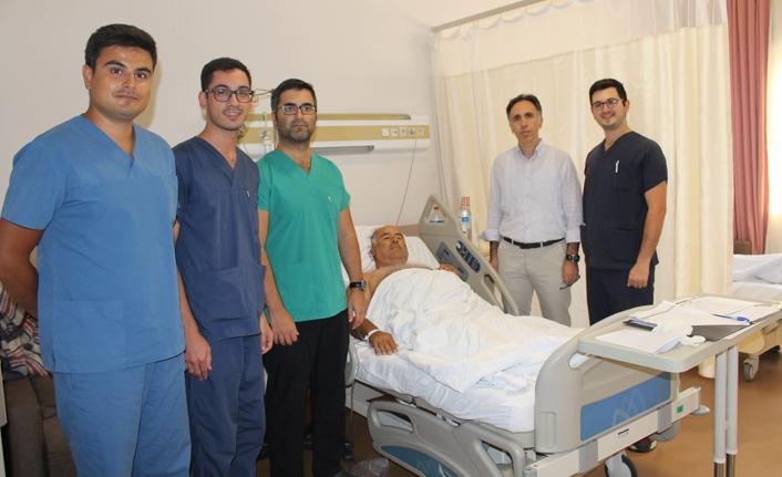 SAÜEAH Üroloji Kliniği başarılı operasyonlarla takdir topluyor