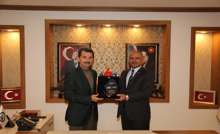 Başkan Şener Söğüt'ten Başkan Ahmet Acar'a iade-i ziyaret