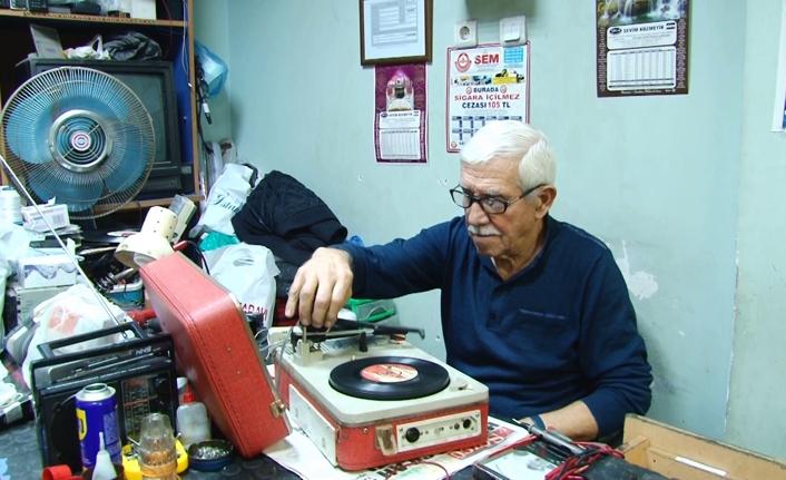 """Radyo Tamircisi Mutlu; """"Radyonun Carıltısı, Plağın Cırıltısı"""""""