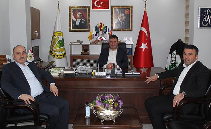 Erenler Belediye Başkanı Fevzi Kılıç Başkan Gündoğdu'yu ziyaret etti