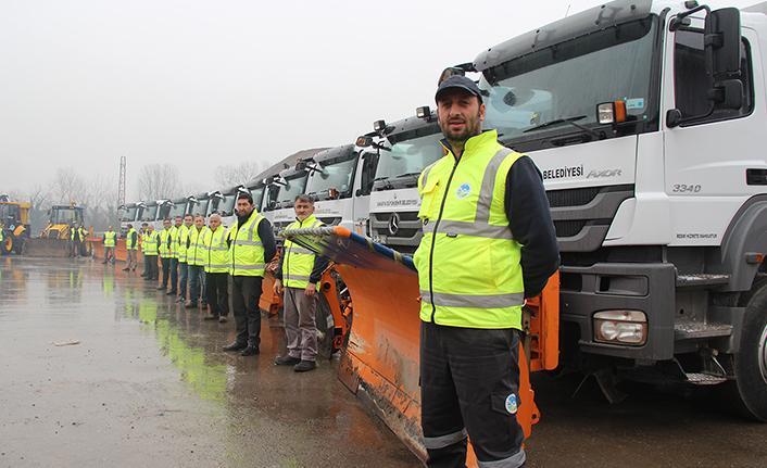 Büyükşehir 60 araç 150 personel ile karla mücadeleye hazır