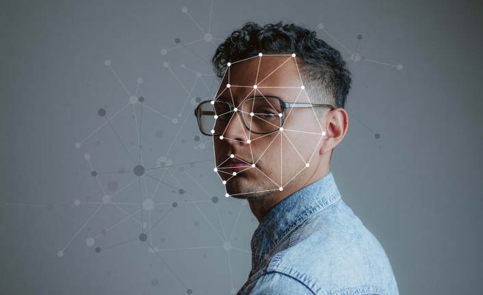 Yapay zekânın korkutan teknolojisi deepfake İle dolandırıcılık artıyor