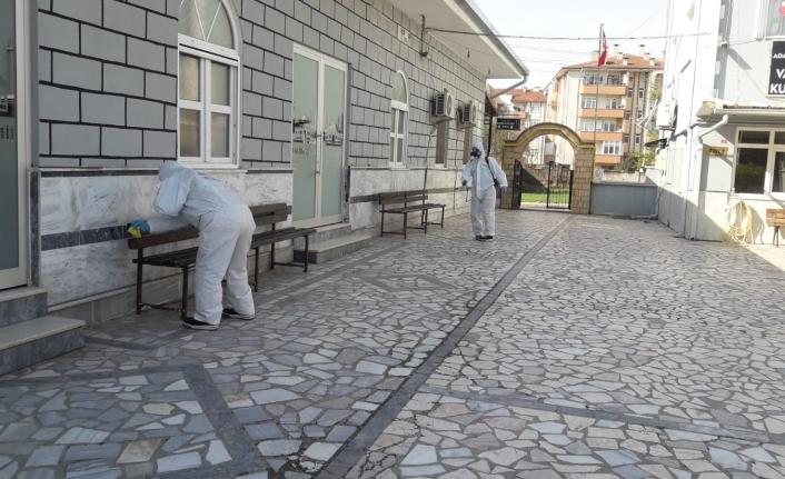 Büyükşehir dezenfekte ekipleri 7/24 sahada