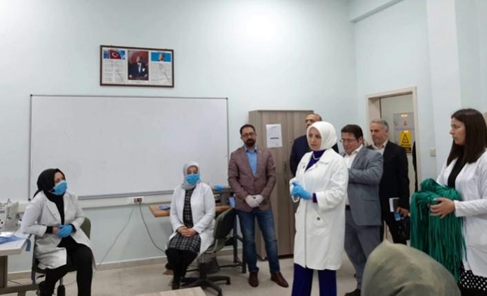 Durmuş'tan maske üreten Halk Eğitim personeline ziyaret