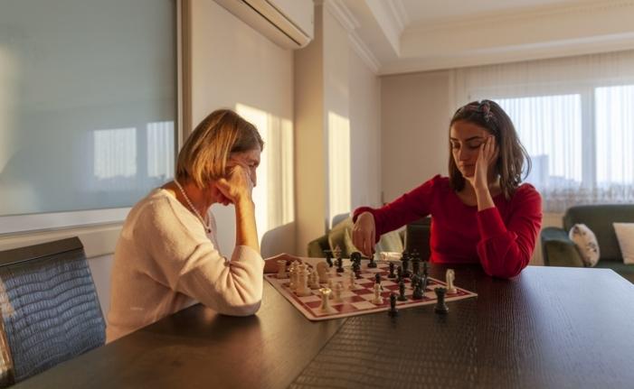 Evde kal çağrısına uyarken stresi yönetmek için faydalı ipuçları