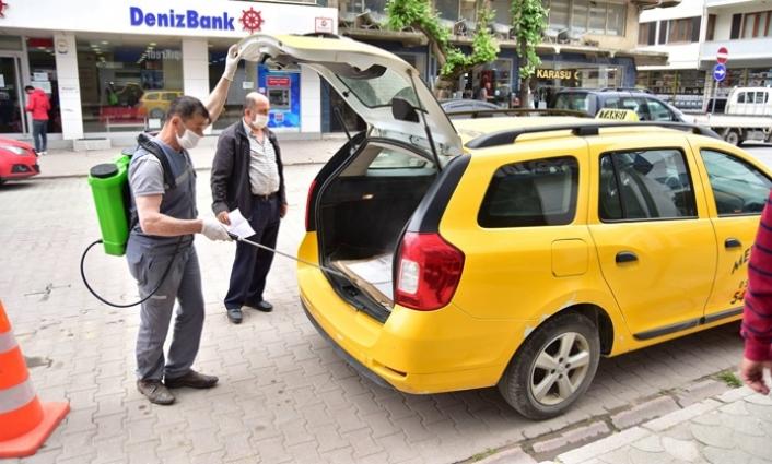 Karasu Belediyesinden Taksilere Dezenfekte Desteği