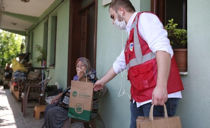 Maske ve dezenfektanlar evlere ulaşıyor