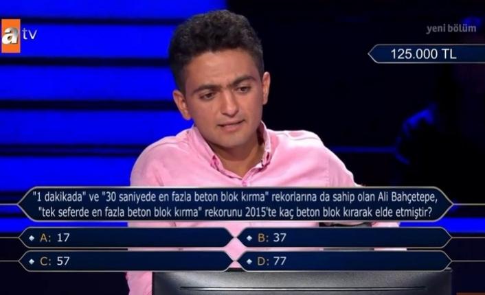 SAÜ öğrencisi 250 bin TL soruyu açtırdı