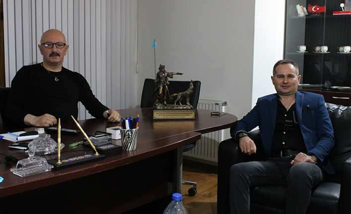Dünya genelinde hayranları bulunan Akif Yener den Ankara çıkarması