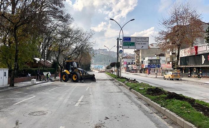 SGK kavşağı çalışmaları için Serdivan dönüşlerine yeni düzenleme