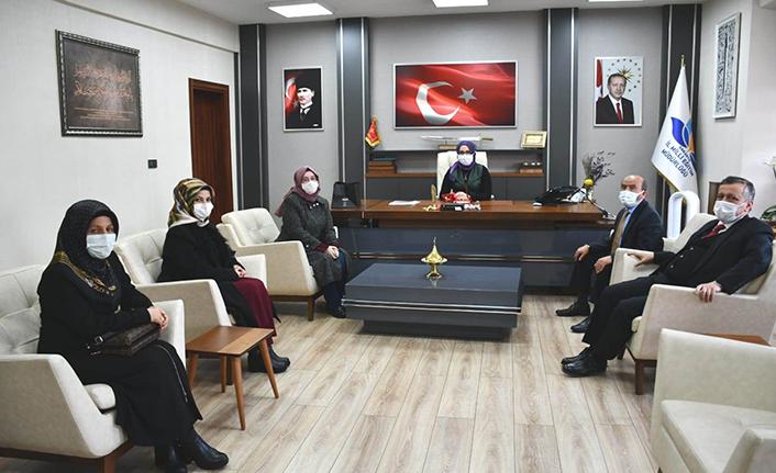 İngilizce Genel Kültür Yarışması'nda Türkiye 1.si Oldu