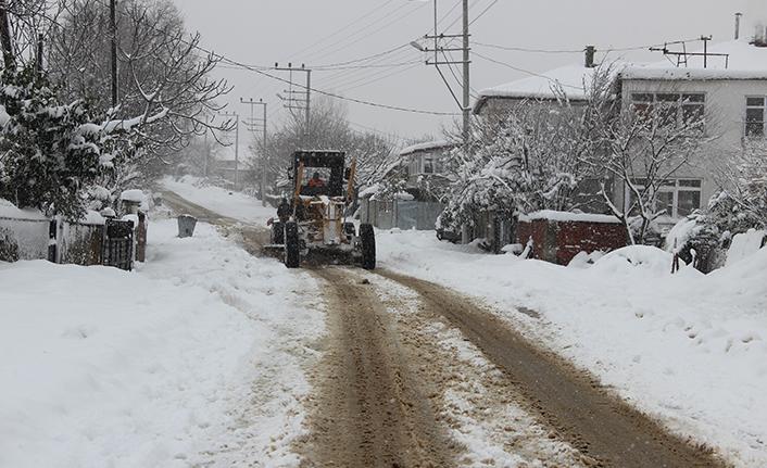 Ferizli Belediyesi Karla Mücadele ekibi önlemlerini arttırdı