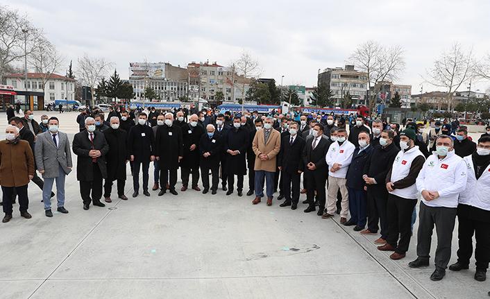 11 tır yardım malzemesi Demokrasi Meydanı'ndan yola çıktı