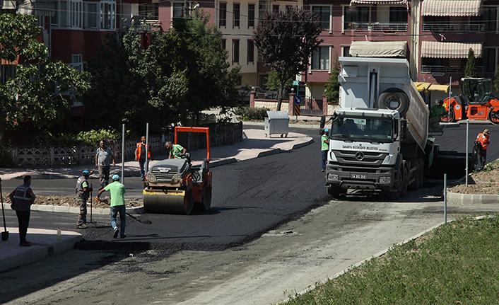 Bağlar Caddesi'nde sıcak asfalt çalışmaları başladı