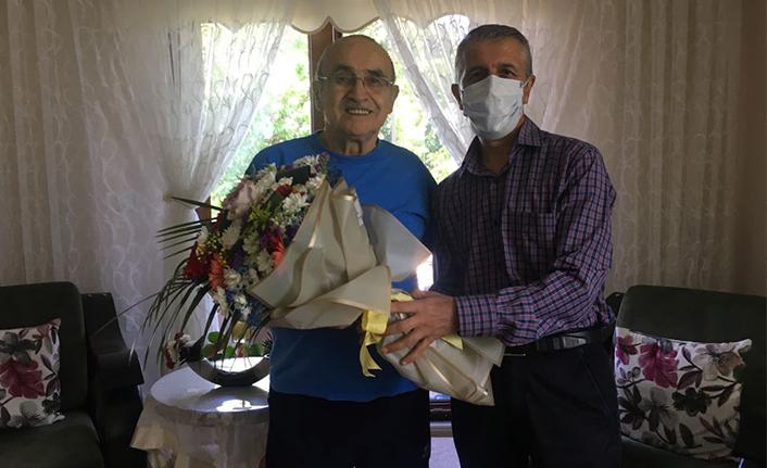 Karasu Belediyesinden Babalar Gününde Anlamlı Ziyaret