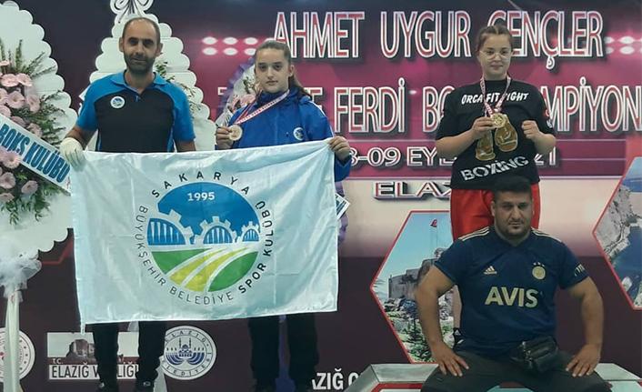 Büyükşehirli sporcular Elazığ'da madalyaları topladı
