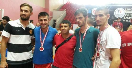 Ahmet Din Türkiye ikincisi