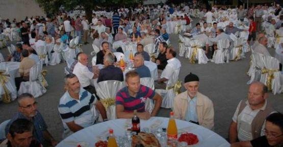 Kuyumcullu Köy'ünde Bin Beş Yüz kişiye İftar