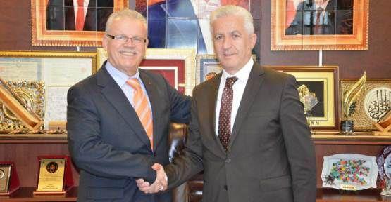 Milletvekili Aday Adayı Dr. Cevdet İzmirli, İspiroğlu'nu ziyaret etti