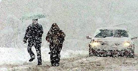 Olumsuz hava koşullarından dolayı Okullara Kar tatili