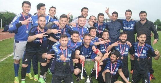 Şampiyonluk bizim kupa bizim