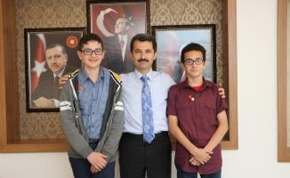 Başkan ACAR Öğrencileri ödüllendirdi