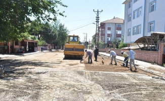 Karasu Aziziye Mahallesi Kilitli Parke Çalışması Tamamlandı