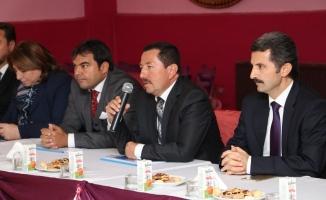 Sakarya Valisi İrfan Balkanlıoğlu Muhtar'larla buluştu