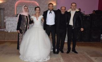 Sakaryalı yönetmen ve oyuncu Ahmet Vuran Esra Turan ile hayatını birleştirdi