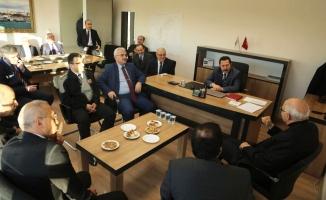 Vali Balkanlıoğlu Kaynarca İlçesinde Muhtarlar ve Vatandaşlarla Buluştu