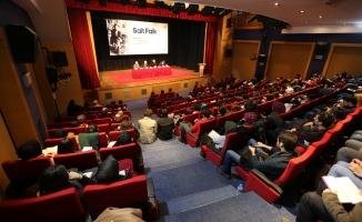 Biyografiler yazarların hayatına yolculuktur
